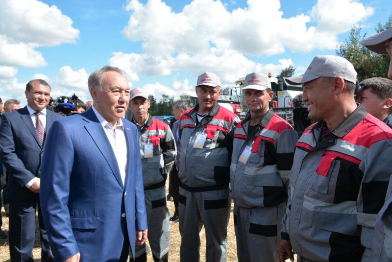 Мемлекет басшысы Ақмола облысында егін алқабын аралады